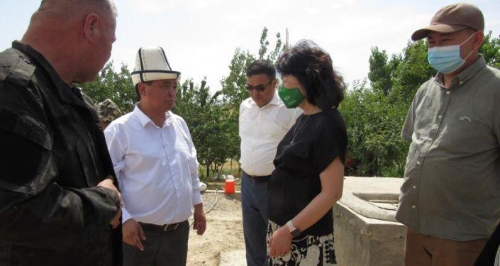 Заместитель председателя Кабинета Министров КР Жылдыз Бакашова в ходе рабочей поездки в Баткенскую область ознакомилась с состоянием ряда социальных объектов