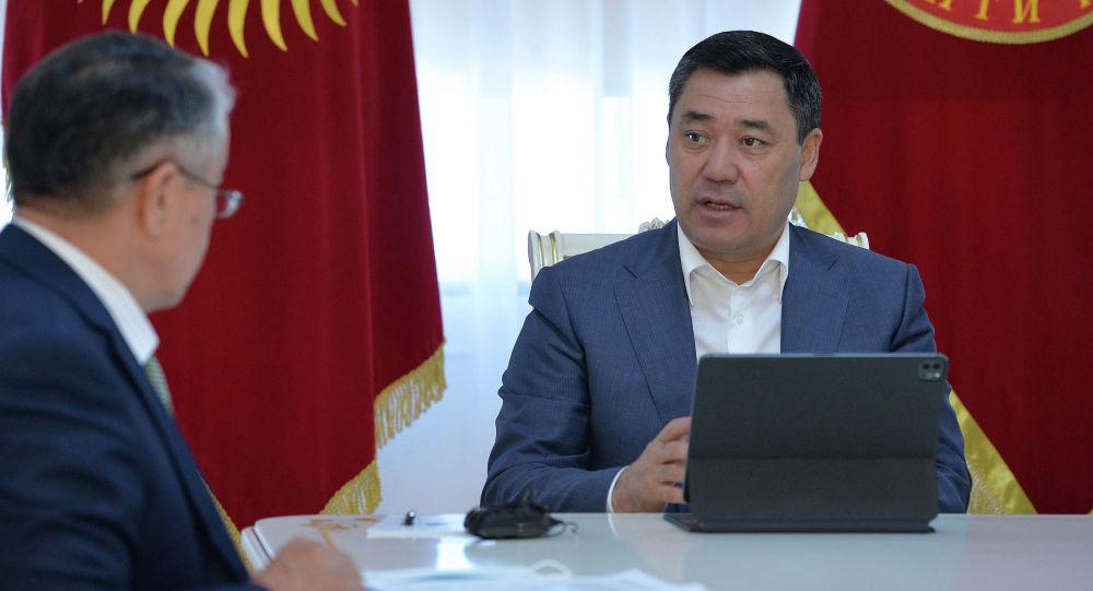 Президент Садыр Жапаров принял министра образования и науки страны Болотбека Купешева