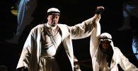 Сцена из оперы Джузеппе Верди Трубадур в постановке режиссера Дмитрия Бертмана. Архивное фото