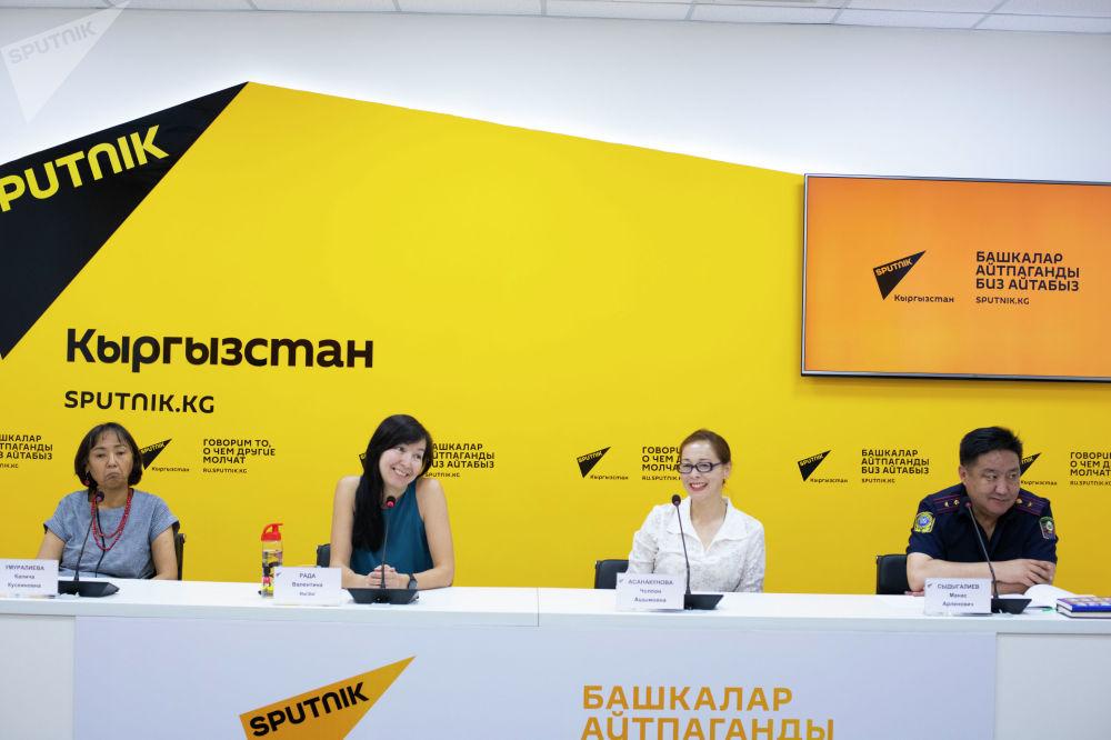 Участники брифинга Бишкек без маршруток — об альтернативных видах транспорта
