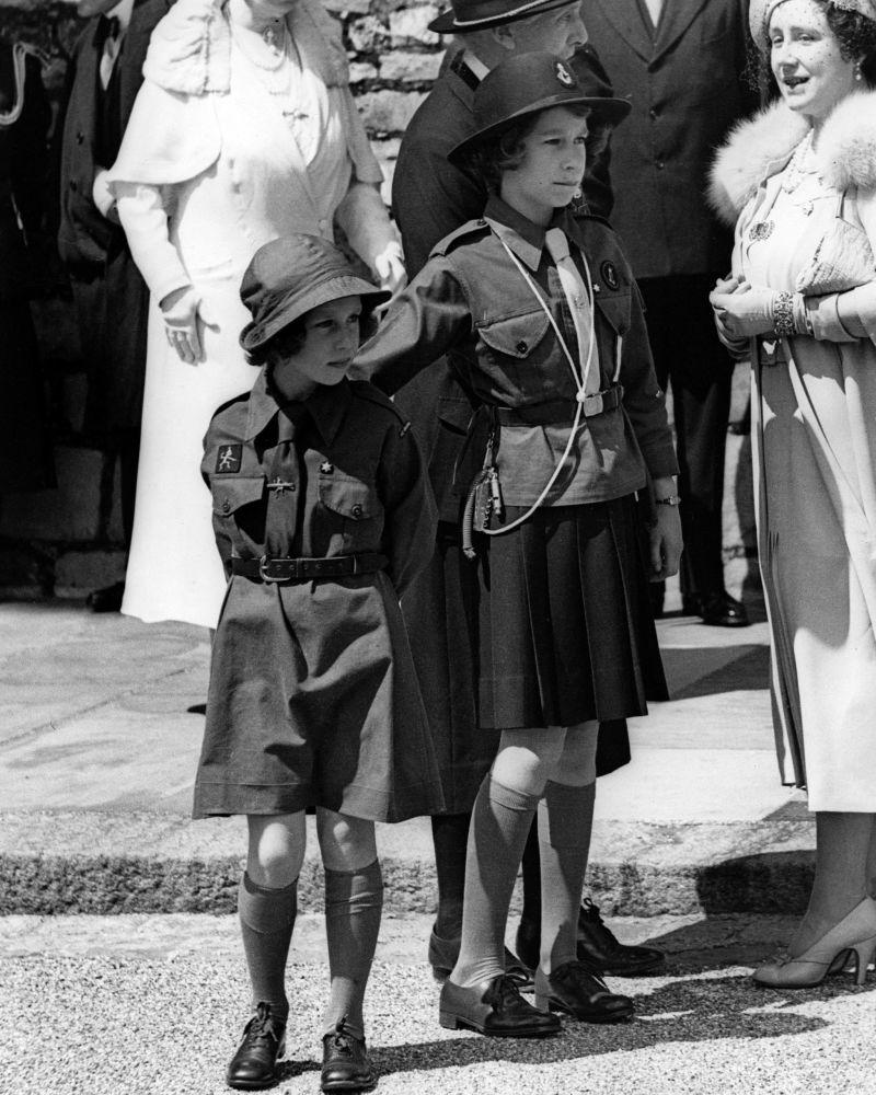 Британские принцессы Маргарет и Елизавета в 1938 году