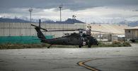 Вертолет Blackhawk в составе 159-й американской бригады боевой авиации на аэродроме Баграм, примерно в 60 км к северу от Кабула. 31 мая 2014 года