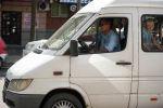 Водитель маршрутного такси в Бишкеке. Архивное фото