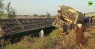 Столкновение двух пассажирских поездов на юге Пакистана унесло жизни 51 человек, более 100 получили ранения.