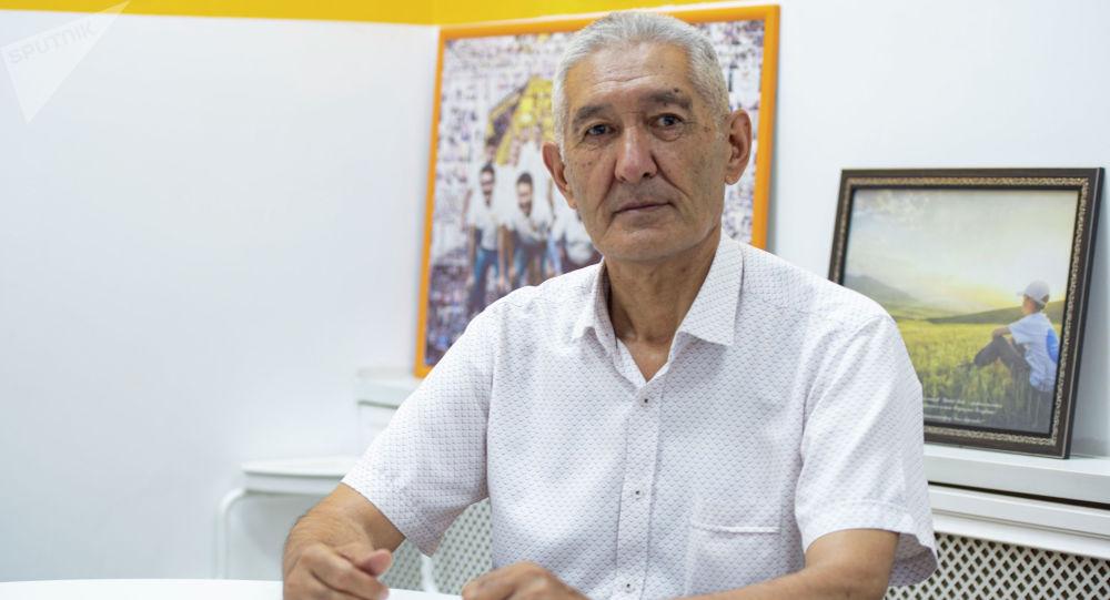 Психолог, психология илимдеринин кандидаты, доцент Маматали Мурзаев