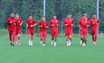 Футболисты сборной Кыргызстана во время тренировки. Архивное фото