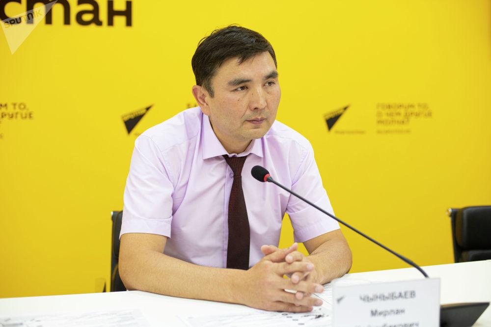 Ректор Кыргызского государственного технического университета Мирлан Чыныбаев на брифинге в пресс-центре Sputnik Кыргызстан