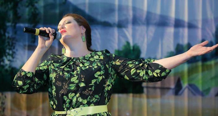 В клубе Объединенной российской военной базы Кант состоялся концерт, посвященный Дню России