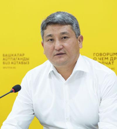 Балык чарба департаментинин директорунун орун басары Маил Алиаскаров. Архив