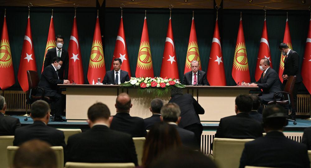 Президент Садыр Жапаров менен Түркия президенти Реджеп Тайип Эрдоган