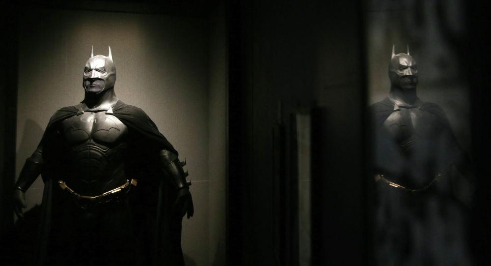 Костюм Бэтмена из фильма Тёмный рыцарь: Возрождение легенды 2012 года. Архивное фото