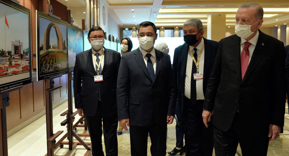 Анкара шаарында Кыргыз Республикасынын Эгемендүүлүгүнүн 30 жылдыгына арналган сүрөт көргөзмөсү