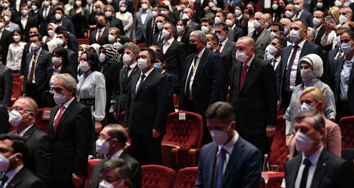 Президент Садыр Жапаров и президент Турции Реджеп Тайип Эрдоган приняли участие в церемонии закрытия IV Международного Иссык-Кульского форума имени Чынгыза Айтматова, который проходил в г. Анкара. 09 июня 2021 года