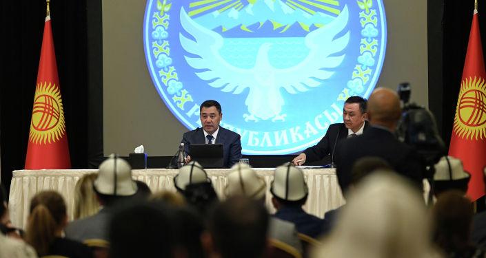 Президент Кыргызстана Садыр Жапаров на встрече с кыргызстанцами в Анкаре, Турция. 10 июня 2021 года