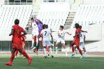 Кыргызстандын жана Мьянманын футболчулары оюн учурунда