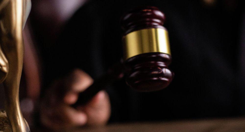 Судья во время вынесения приговора на суде. Иллюстративное фото