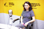 Продюсер и сценарист Айкыз Гапарова на радио Sputnik Кыргызстан