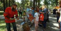 В столице Кыргызстана прошел фестиваль Русская душа, приуроченный к Дню России. Предлагаем посмотреть, как это было.