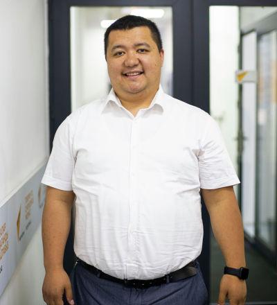 Башталгыч кесиптик билим берүү башкармалыгынын башчысы Бектур Ибрагимов. Архив