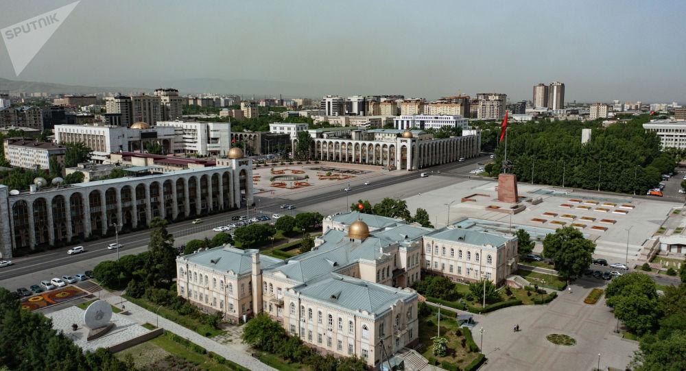 Вид с дрона на площадь Ала-Тоо. Архивное фото