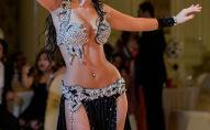 Девушка исполняет танец живота. Архивное фото