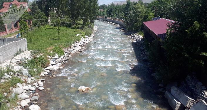 Река Аламудун в Аламудунском районе Чуйской области