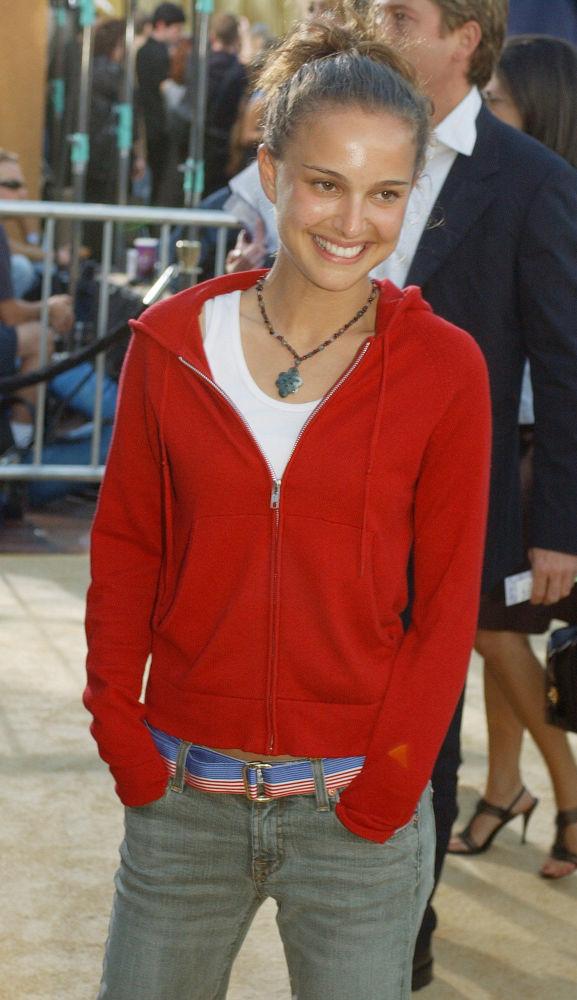 Актриса на премьере фильма Остин Пауэрс: Голдмембер в Лос-Анджелесе. Шпионский комедийный фильм вышел в 2002 году.