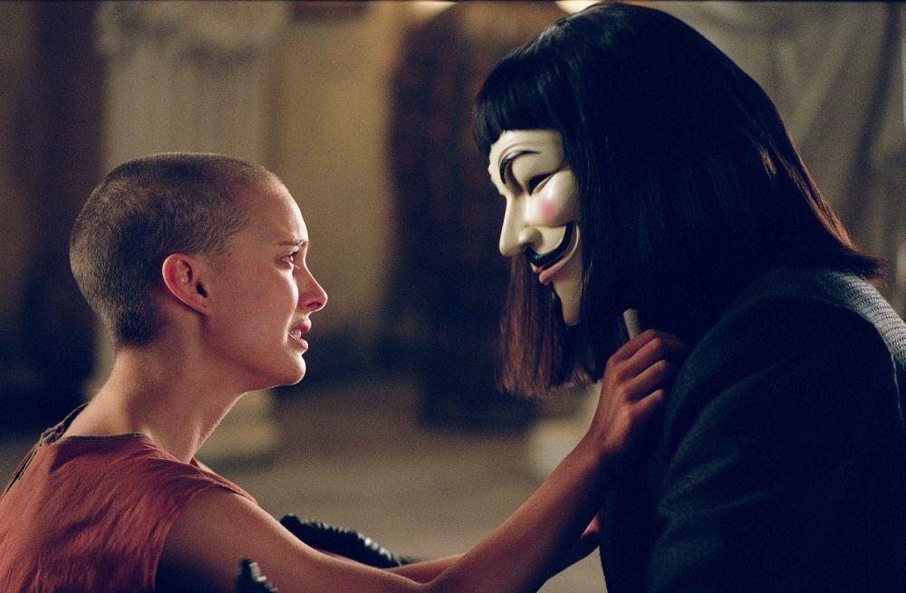 После громкого дебюта в Леоне ее пригласили сняться c Робертом Де Ниро и Аль Пачино в фильме Схватка. Она также снялась в фильмах Хорошенькие девочки и Марс атакует. Все эти кинокартины были представлены с 1995-1996 годы.
