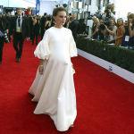 В 2011 году Натали родила первого сына. Беременная Портман на церемонии вручения премии Гильдии киноактеров.