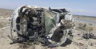 Автомашина марки БМВ опрокинулась на бок из за взорванного колеса, в селе Жаны-Чек, Кадамжайского района на 158 км автодороги Ош-Баткен-Исфана