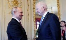 Россиянын президенти Владимир Путин АКШнын лидери Жо Байден менен Женева шаарында жолугушуу учурунда
