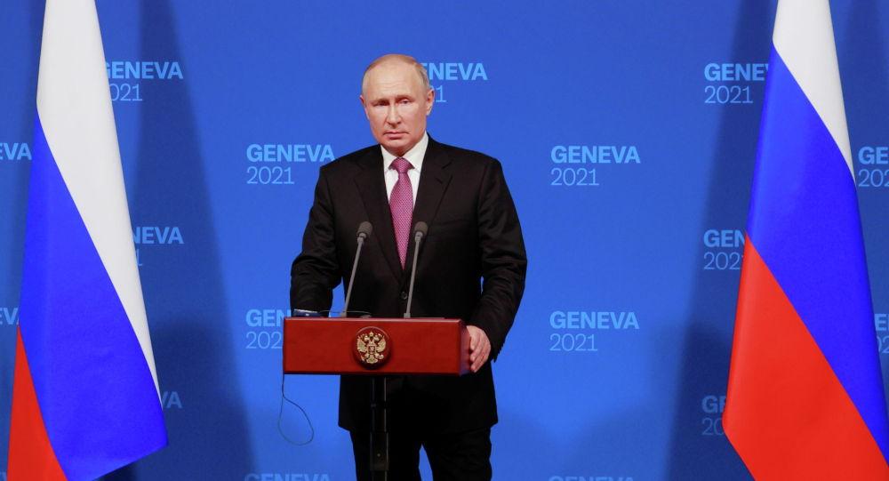 Россинын президенти Владимир Путин Женевада АКШнын президенти Джо Байден менен жолугушуудан кийин журналисттердин суроолоруна жооп берүү учурунда