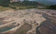 Многие уже слышали о проблемах с водой в Чуйской области. Фермеры даже выходили на митинг. Но что происходит на самом деле и в чем причины нехватки? Мы отправились на реки и водохранилища, чтобы разобраться в ситуации.