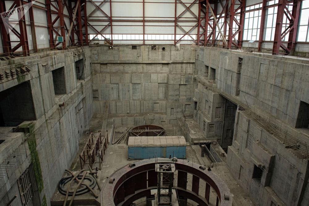 Машинный цех Камбаратинской ГЭС-2 в Джалал-Абадской области