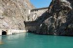Будут ли предстоящей зимой веерные отключения света, как Кыргызстан обменивается электроэнергией с соседями и какие реформы ждут энергетику? Корреспонденты Sputnik отправились на Токтогульское водохранилище и задали эти вопросы главе Минэнерго.