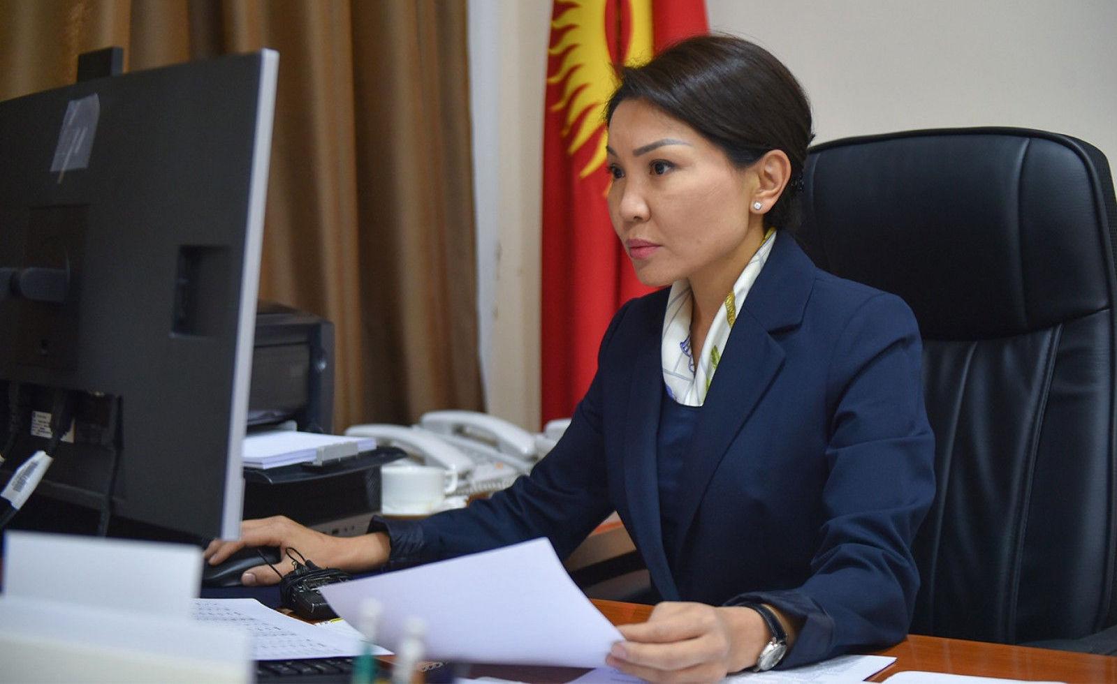 Вице-премьер-министр Кыргызской Республики Эльвира Сурабалдиева провела очередное заседание Республиканского оперативного штаба. 02 декабря 2020 года