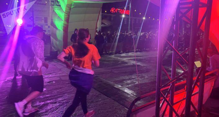 Участники забега Toyboss Night Run 2021 в Бишкеке