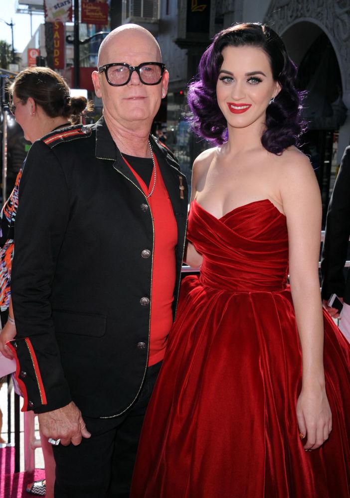 Кейт Хадсон и певица Кэти Перри на премьере в Голливуде