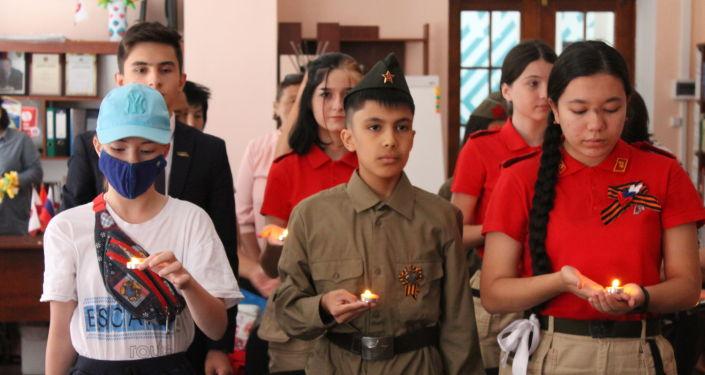 Юнармейцы и дети военнослужащих российской военной базы в Канте приняли участие в конкурсе, посвящённом Великой Отечественной войне. 21 июня 2021 года