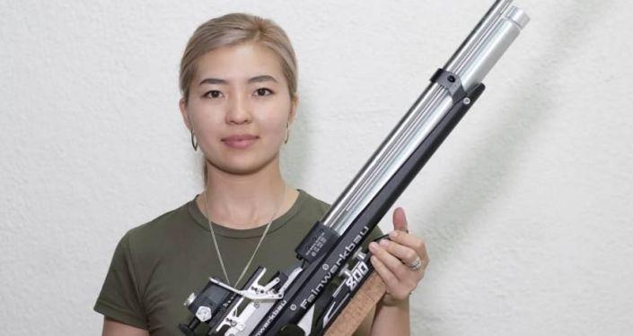 Член национальной сборной команды КР по пулевой стрельбе Каныкей Кубанычбекова получила лицензию на XXXII летние Олимпийские игры в Токио.
