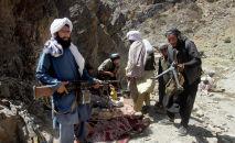 Члены отколовшейся фракции боевиков Талибана. Архивное фото
