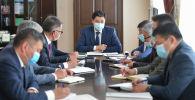 Улукбек Марипов өлкөдө эпидемиологиялык кырдаал боюнча министрлер кабинетинин кезексиз жыйыны учурунда