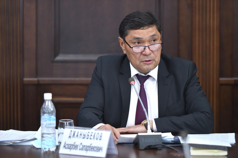 Министр сельского, водного хозяйства и развития регионов Аскарбек Джаныбеков. 24 июня 2021 года