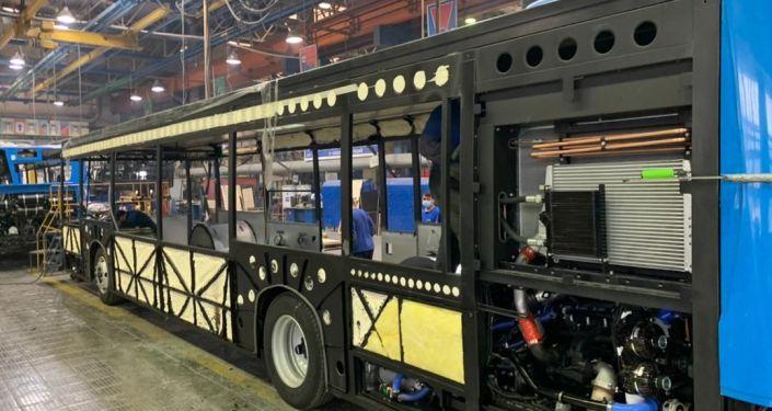 Сборка автобусов и электробусов в Камском автомобильном заводе (КамАЗ)