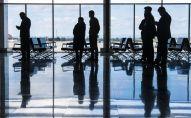 Пассажиры в аэропорту Манас в Бишкеке. Архивное фото