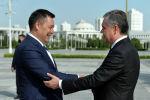 Церемония официальной встречи президента Садыра Жапарова с президентом Туркменистана Гурбангулы Бердымухамедовым в Ашхабаде. 28 июня 2021 года