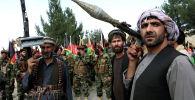 Кабулдун четинде чогулган куралдуу адамдар жана Афганистандын коопсуздук күчтөрү