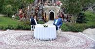 Президент Кыргызстана Садыр Жапаров и Таджикистана Эмомали Рахмон на встрече в загородной резиденции Бахор в Варзобском районе Таджикистана