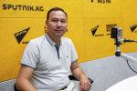 Таштан Эрматов атындагы Бишкек музыкалык педагогикалык колледжинин директору Түмөнбай Колдошев