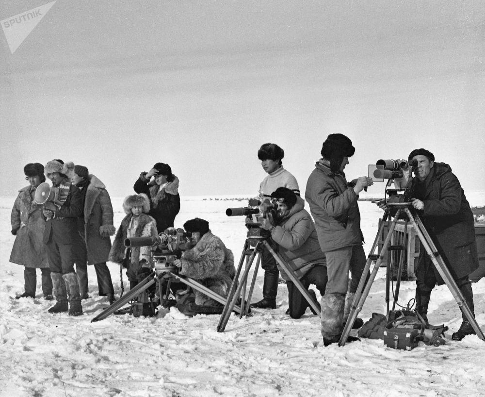 На съемках фильма режиссера, Народного артиста СССР Толомуша Океева Лютый (Көк серек). 1973-год